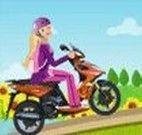 Andar de moto com a Barbie