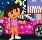 Dirigir carro com Dora