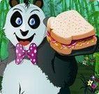 Vestir o panda comendo sanduíche