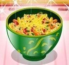 Fazer salada de macarrão