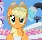 Applejack no banho
