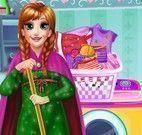 Anna lavar roupas
