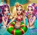 Amigas Ever After High na piscina