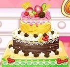 Anna decorar bolo