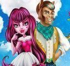 Draculaura e Clawd namoro escondido