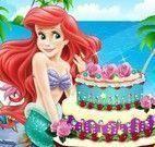 Ariel decorar bolo de aniversário