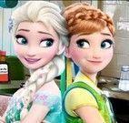 Anna e Elsa encontrar itens da cozinha