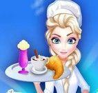 Elsa servir café da manhã