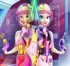 Anna e Elsa roupas no espaço