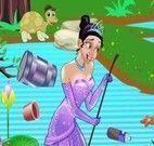Princesa Tiana limpar lagoa