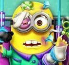 Minion no hospital machucado