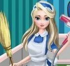 Elsa Frozen limpeza da casa