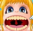 Barbie bebê no dentista