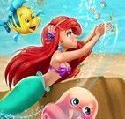 Ariel no fundo do mar