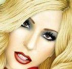 Famosa Lady Gaga maquiada