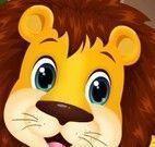 Cuidar do leão bebê