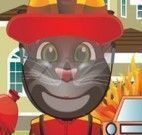 Gato Tom apagar incêndio