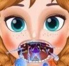 Anna médico da garganta
