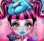 Draculaura bebê no hospital