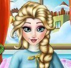 Pé machucado da grávida Elsa