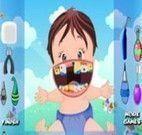 Bebê cuidar dos dentes