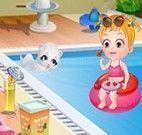 Bebê Hazel na piscina