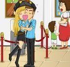 Beijos de Guardas no Museu