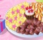 Bolo e doces na festa