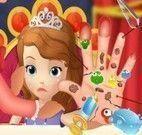 Mão da Princesa Sofia machucada