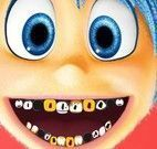 Tratamento dos dentes do Joy