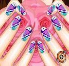 Pintar as unhas da cliente