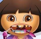Boneca Dora no dentista