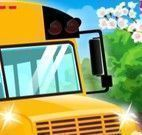 Lavar ônibus da escola