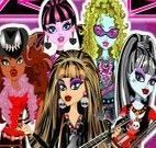 Roupas para as meninas da banda de rock Monster High